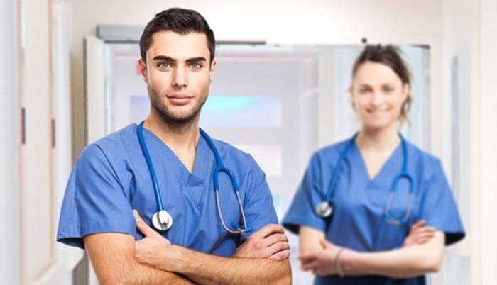Medical Assistant Vs Cna Duties Salary Similarities Workplaces